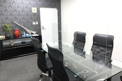 三宮ベンチャービル 貸し応接室・会議室の室内の写真