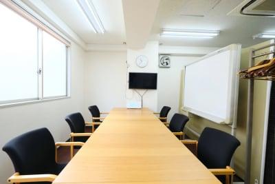 スペースコネクト中目黒 MEETS貸会議室の室内の写真