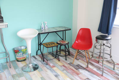 サブルームはアメリカンクラシックでポップな家具を揃えています。 - 撮影スタジオ Studio62 写真、動画の撮影スタジオの設備の写真