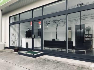 施設入口です。 - レンタルサロン アイリー シェアベッド(半個室タイプ)の外観の写真