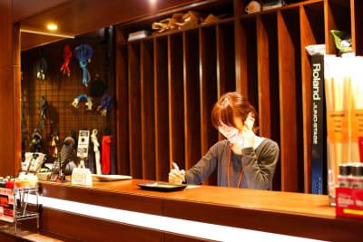 2階が受付です。 - スタジオパックス 船橋店 【初予約限定】テレワーク用防音室のその他の写真