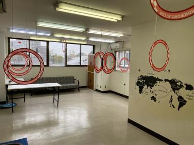 レンタルスペースKAI ドローンスペースの室内の写真