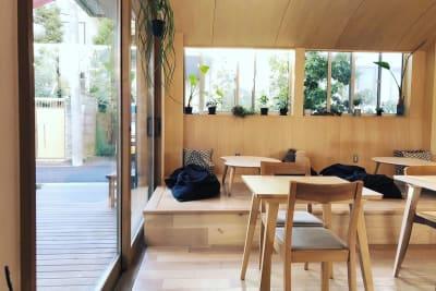 Cafe nt カフェ、レンタルスペースの入口の写真