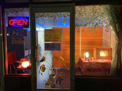 夜の外観 - ソウルメイト ソウルパレス 多目的スペースの室内の写真
