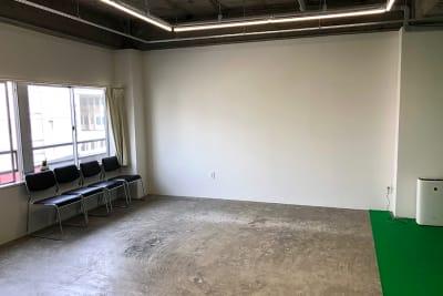 イエローベース天神 NONESNSE撮影スタジオの室内の写真