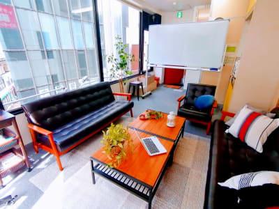 meets#神田 多目的スペースの室内の写真