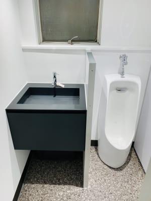 男子トイレ - So-We -Koenji- So-We《イベントスペース》の設備の写真