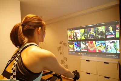 動画を見ながら楽しく運動☆ - SP326 SHARESPE SP326シェアスペ★ゆるトレの室内の写真
