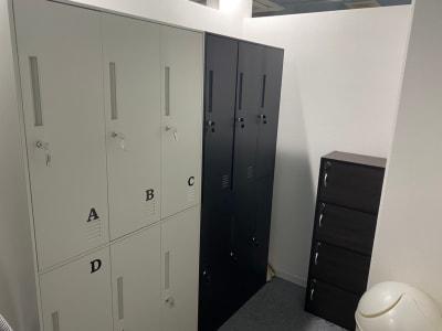 【スタッフルーム】 グレーロッカー利用1台無料 ※ブラックロッカーは月額専用利用です。 - ぽっぽスタイル Room Bのその他の写真