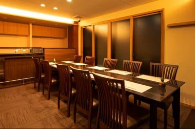 株式会社 あかめ寿し  3階 VIPルーム 2階 個室の室内の写真