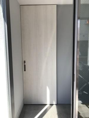 地下の入り口です。 - 代々木公園Yハウス レンタルスタジオ&ギャラリーの室内の写真