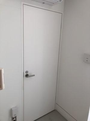 一階のトイレです。 - 代々木公園Yハウス レンタルスタジオ&ギャラリーの室内の写真