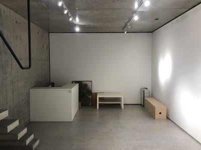 カウンターがあります。 - 代々木公園Yハウス レンタルスタジオ&ギャラリーの室内の写真