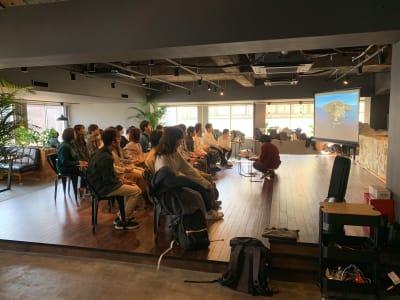 利用イメージ① - RANA TAIL会議室 フロアー貸切レンタルの室内の写真