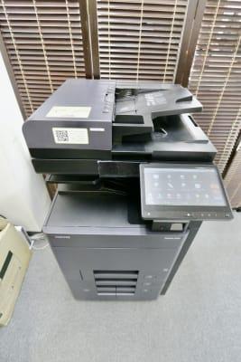 複合機(コピー、印刷は50枚まで無料) - スペースコネクト中目黒 ソロブース1の設備の写真