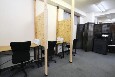 スペースコネクト中目黒 ソロブース2の室内の写真