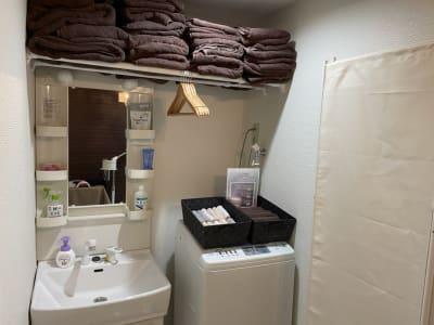 バスタオル、タオル、フェイスタオルも現地にてご購入可能です! - JK Salon 今泉店 広々ゆったりしたレンタルサロン♪の室内の写真
