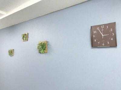 コミノバ東新宿 貸会議室の室内の写真