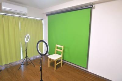 グリーンバック撮影 - 新宿御苑Banksyスペース ボドゲ多数!徒歩3分25名可能の室内の写真