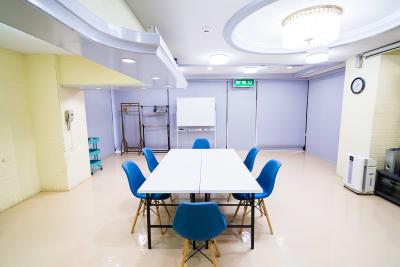 アクアたてしな会議室の室内の写真