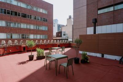 【屋上テラス】 - GOODOFFICE新橋 貸切スペース(屋上テラス)の室内の写真