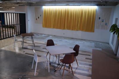 椅子・ソファ・デスクをご自由に利用いただけます※配置変更可能 - TAGE-community オープンスペースご利用プランの室内の写真