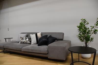 くつろぎの共有スペース - ルーフラッグ賃貸住宅未来展示場 3階セミナールーム③の室内の写真