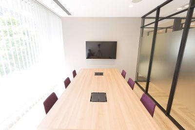 fabbit大手町 会議室A(6人まで)の室内の写真