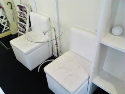 待合室 - 新宿44ビル内44サロングループ 税込総額770円のみで本格ネイルの設備の写真