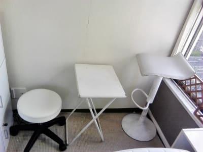 当店オリジナル「腰が痛くならないフットシステム」! - 新宿44ビル内44サロングループ 税込総額770円のみで本格ネイルの室内の写真