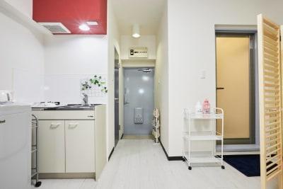 Room102 女子会/ママ会/勉強会/宅飲みの入口の写真