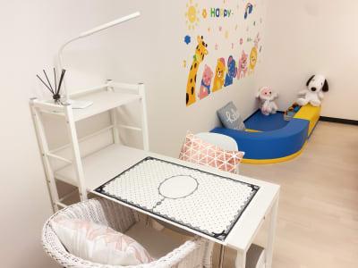 完全貸切個室・キッズコーナー付 - ForyouNail キッズスペース付き個室の室内の写真