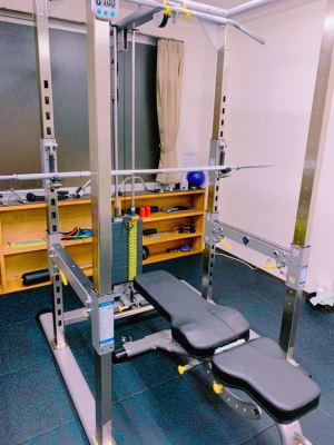 業界でも高い評価を得ている「タフスタッフ」の機材を採用しております。 - light Fitness LightFitnessの室内の写真