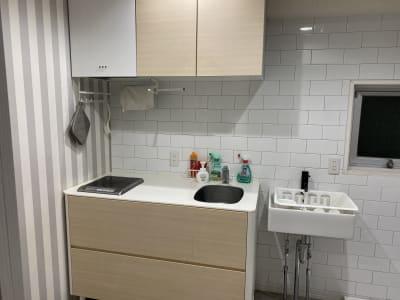 キッチン - ブルーバード5 レンタルサロン、多目的スペースの室内の写真