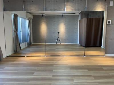 スタジオ全体の画像になります。 - スタジオ My style レンタルスタジオの室内の写真
