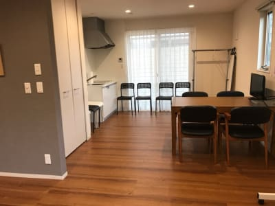 ミニキッチンもあります - レンタルスタジオMahalo 多目的スペースの室内の写真