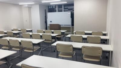 自習室うめだの貸し会議室 1ビル 521号室の室内の写真