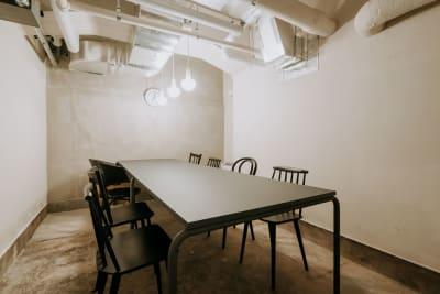 GOODOFFICE新橋 会議室1の室内の写真