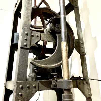 お餅つき用の大きな機械 - MATSUNOMA 松乃間 ワークショップレンタルスペースの室内の写真