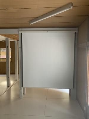80インチスクリーン - 赤坂見附 戸建(2階部分) 多目的サロン シルビーの室内の写真
