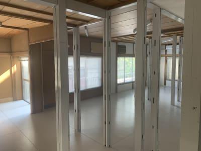 現状はほぼスケルトンです - 赤坂見附 戸建(2階部分) 多目的サロン シルビーの室内の写真