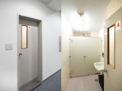 女子トイレ:大便器☓1 - 貸会議室ルームス水道橋店 水道橋店第3会議室の室内の写真