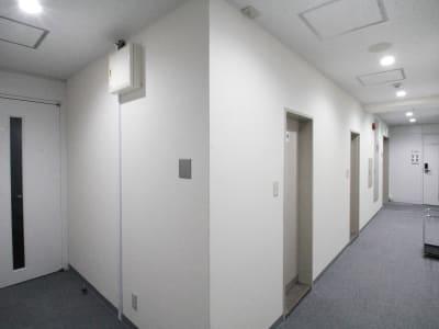 共用部2 - 貸会議室ルームス水道橋店 水道橋店第2会議室の室内の写真
