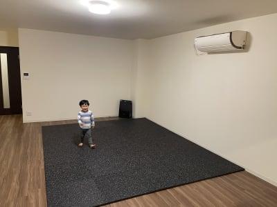 ジムマットスペースあります。近々奥の壁をミラーにする予定です。 - レンタルスペース malicia maliciaの室内の写真