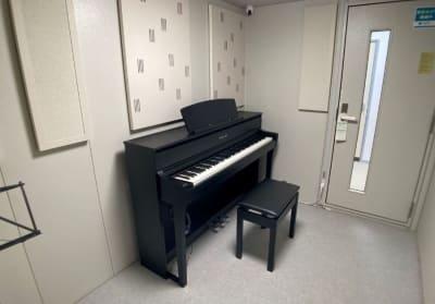 YAMAHAクラビノーバCLP775(グランドタッチ鍵盤) - my place 江田(防音室) テレワーク、楽器演奏の設備の写真