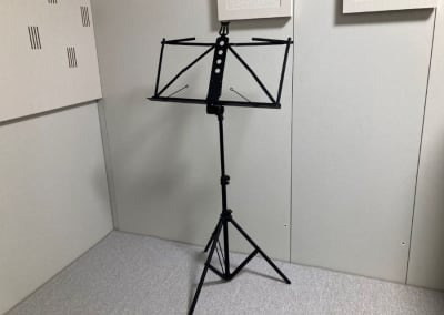 譜面台 - my place 江田(防音室) テレワーク、楽器演奏の設備の写真