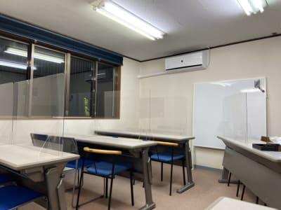 レイアウト例 - AMSビル2F レンタルスペース 芽生えの室内の写真