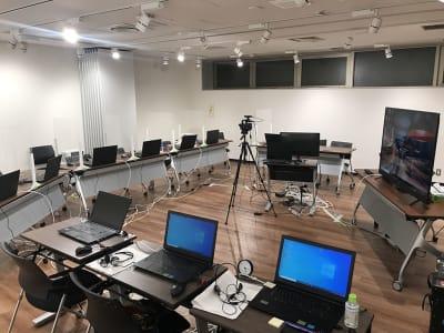 オンラインでの報告会、協議会など - LiLeaS(ライラス) RoomGの室内の写真