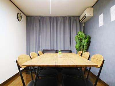 市ヶ谷会議室shiro 会議やテレワークに最適な貸会議室の室内の写真