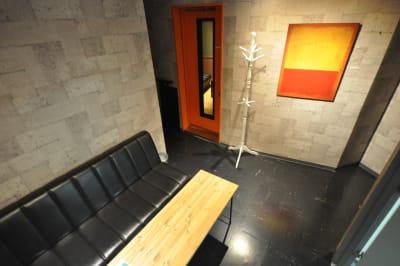 ラウンジです。 - レコーディングスタジオPACKS 配信スタジオ/グリーンバック完備の室内の写真